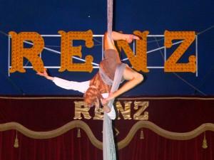 Kelly bij Circus Renz Berlin
